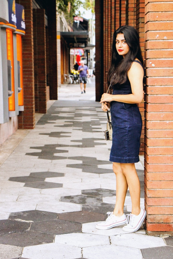 denim dress white converse old alleys cobblestone streets